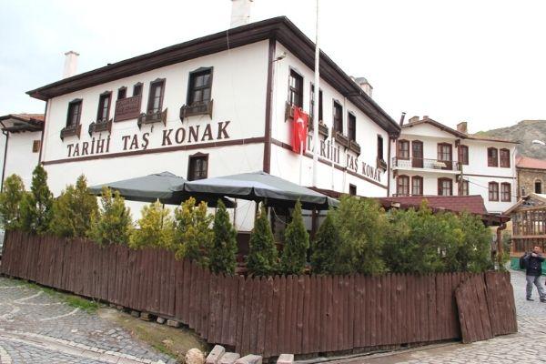 tarihi taş mektep restoran