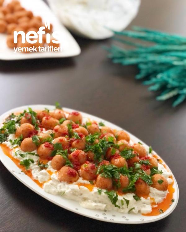 Bulgur Köfteli Köz Patlıcan Salatası