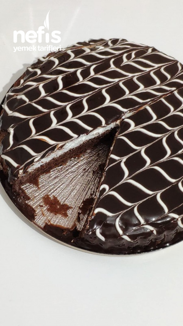 Tart Kalıbında Ağlayan Kek (Videolu)