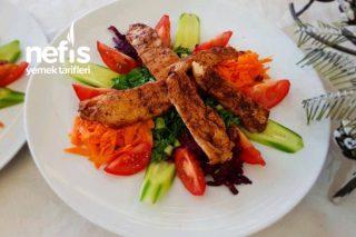 Tavuk Bonfileli Yeşil Salata (Videolu) Tarifi