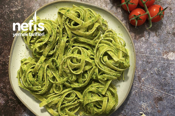 Sağlıklı Yeşil Makarna