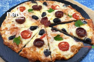 5 Dakikada Pratik Lavaş Pizza Tarifi (Videolu)