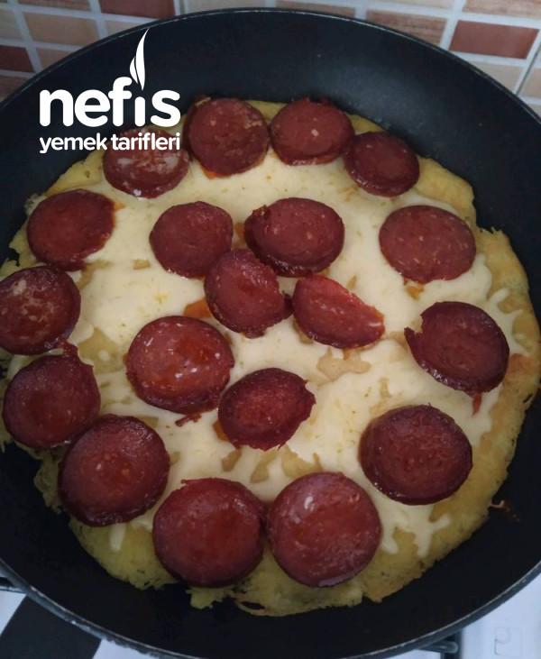 Patates Tabanlı Kahvaltı Pizzası