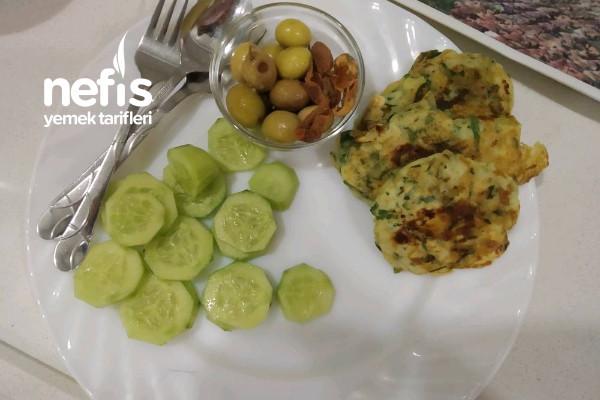 Enfes Kahvaltılık Ispanaklı Peynirli Mini Tava Böreği Tarifi