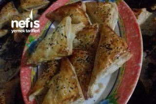 Sıcacık Kaşar Peynirli Milföy Böreklerim Tarifi