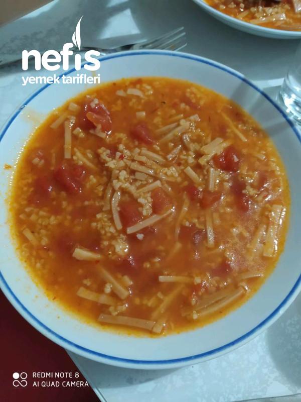 Domatesli,bulgurlu,erişte Çorbası