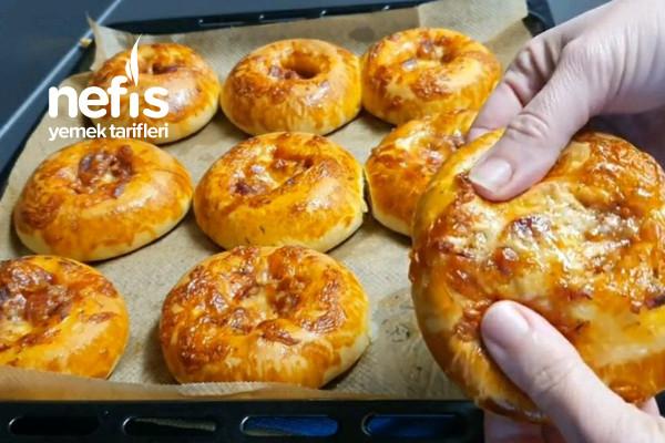 Yumuşacık Pizza Poğaça Tarifi (Videolu)