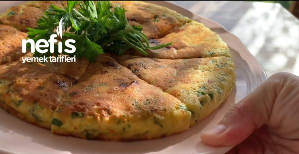 Kahvaltıya 5 Dk Da Hazırlayabileceğiniz Börek Tadında Omlet(Videolu)