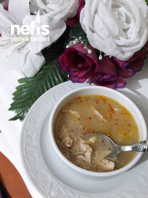 Kış Aylarının Vazgeçilmezi Sarımsaklı Terbiyeli Tavuk Çorba