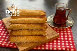 Peynirli Galeta Unlu Soslu Çıtır Börek Tarifi