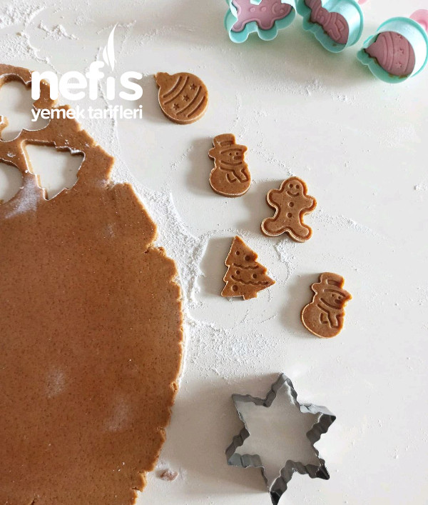 Gingerbread Kurabiyeleri – Zencefilli Kurabiye (Videolu)