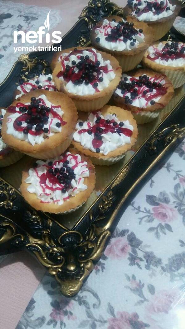 Kremalı Minik Tart