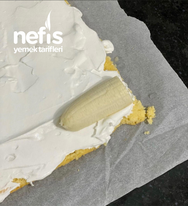 Fındıklı Ve Muzlu Mini Rulo Pastalar