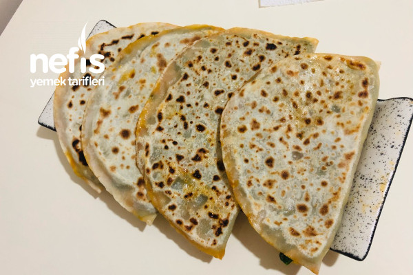 Ispanaklı D Börek (İçli Ekmek) Tarifi