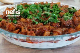 Patates Ve Soğan Soslu Enfes Erişte Salatası Tarifi