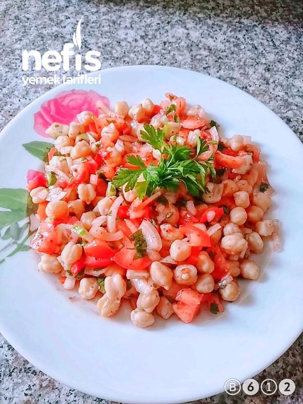 Sağlıklı Nohut Salatası