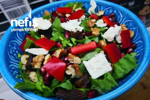 En Lezzetli Roka Salatası Tarifi (Videolu)