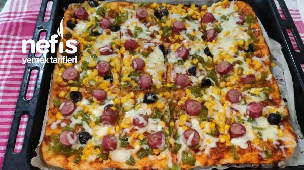 İncecik Hamuruyla Nefis Tepsi Pizzası