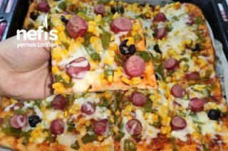 İncecik Hamuruyla Nefis Tepsi Pizzası (Videolu) Tarifi