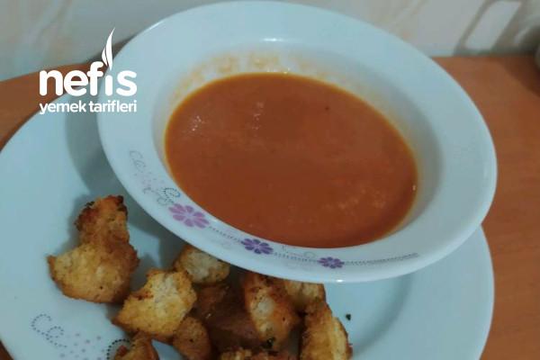 Domates Çorbası (Közlenmiş Domates Ve Tavuk Suyuna Yapılan)