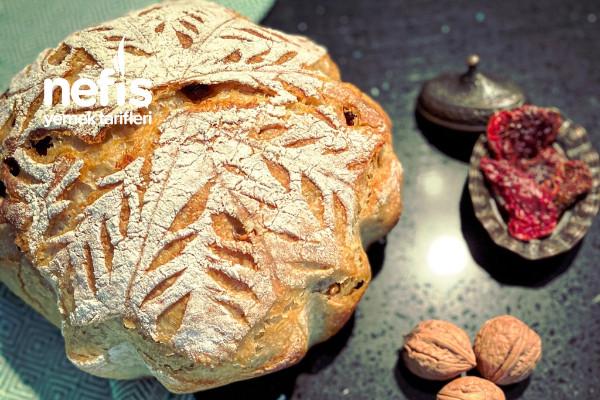 Ekşi Mayalı Cevizli Kuru Domatesli Ekmek Tarifi