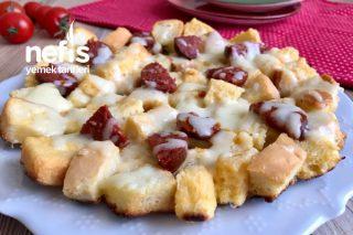 Bayat Ekmekten Pizza Tarifi
