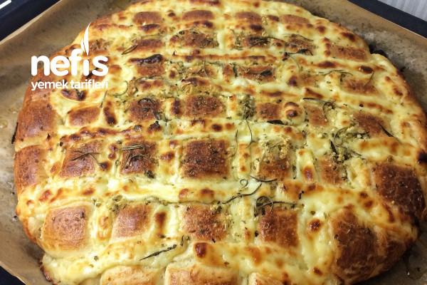 Sarımsaklı Kekikli Ekmek (Videolu)