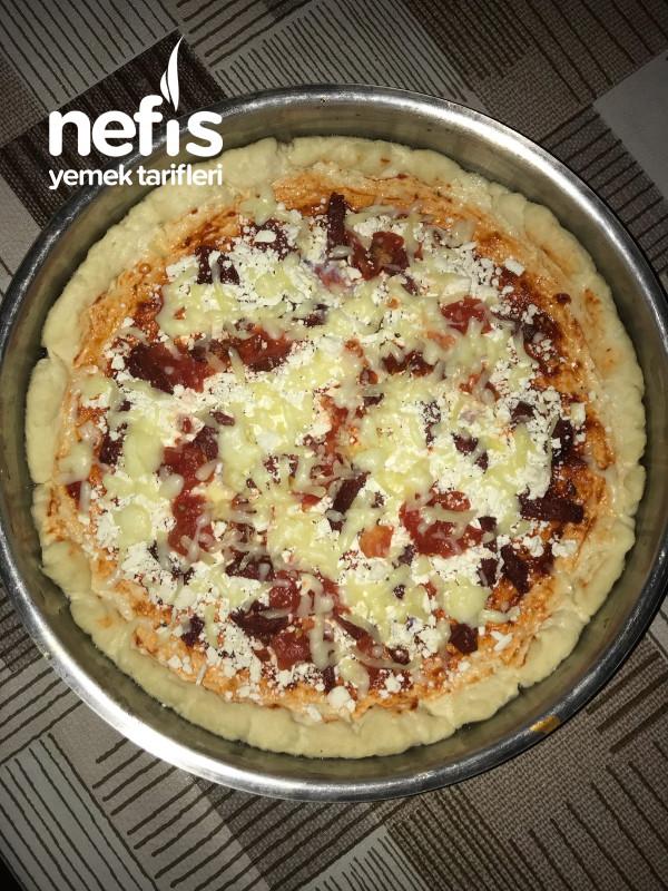 Kolay Ev Pizzası (Yumurtasız) 1'e 1 Oran Tarifi