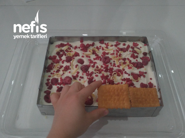 Videolu 2 Çikolatalı Ahududulu Bisküvi Pastası