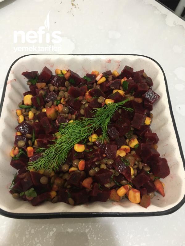 Yeşil Mercimekli Pancar Salatası