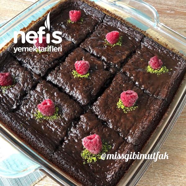 Bol çikolatalı ıslak kek