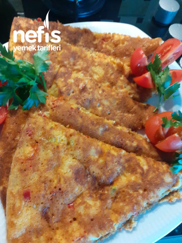 Kahvaltıya 5 Dakikaya Hazır Biberli Sucuklu Enfes Bir Tava Böreği