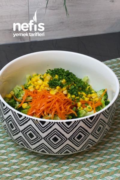 Yoğurtlu Brokoli Salatası (Videolu)
