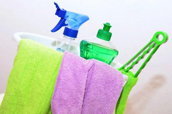 çamaşır suyu lekesi nasıl geçer