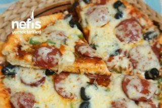 Ev Yapımı Tavada Enfes Pizza (Çok Lezzetli) Videolu Tarifi