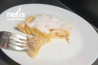 Sadece 5 Dakikada Dünyanın En Kolay Ve En Lezzetli Elmalı Kek Tarifi (Videolu)