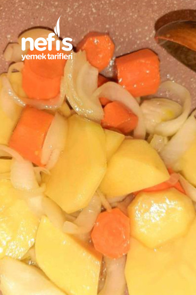 Tavuk Suyuna Brokoli Çorbası