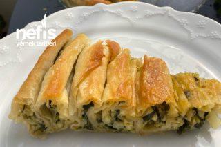 El Açması Sanılan Ispanaklı Börek Tarifi