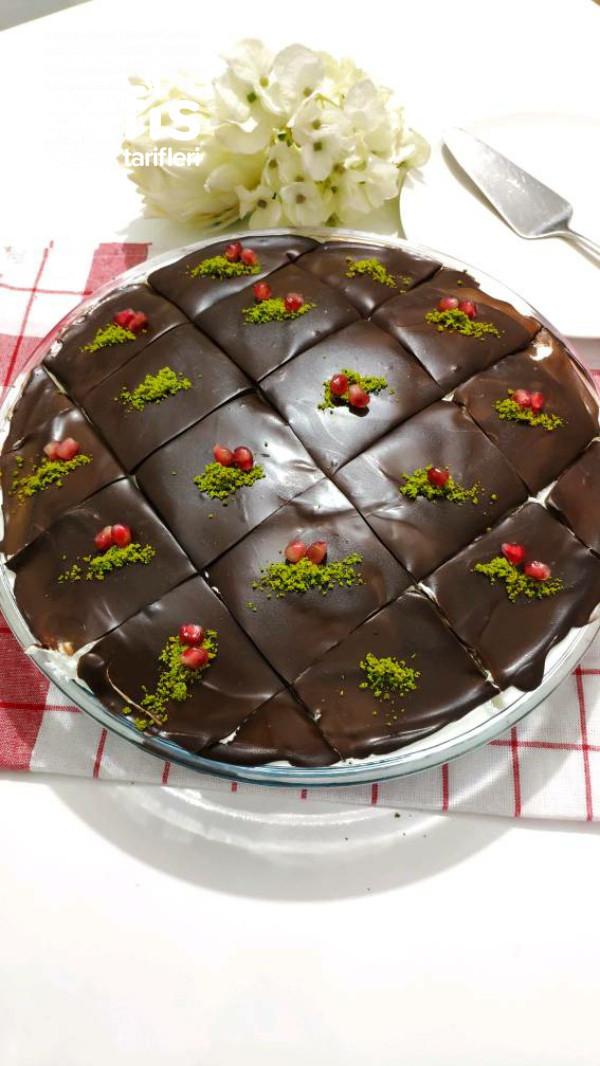 Yaş pasta lezzetinde Muzlu, Çikolatalı Borcam Pasta (Videolu)
