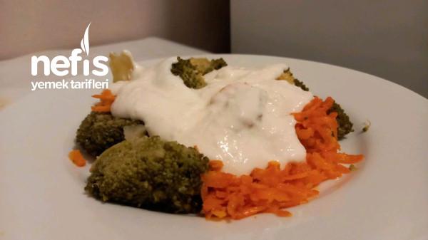 Brokoli Salatasi (Havuc Ve Yoğurtlu)