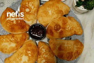Kahvaltı Sofralarının Vazgeçilmez Lezzeti Olan Çiğ Börek Tarifi