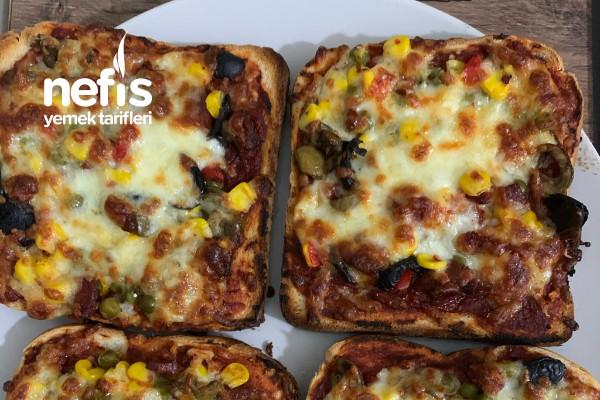 Kahvaltılık Pratik Pizza Dilimleri Tarifi