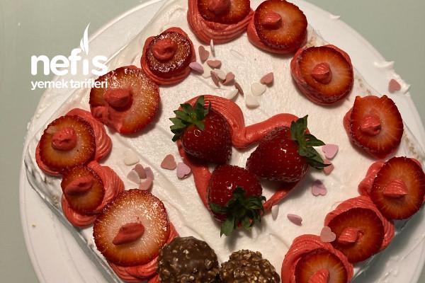 Meyveli Glutensiz Pasta Tarifi