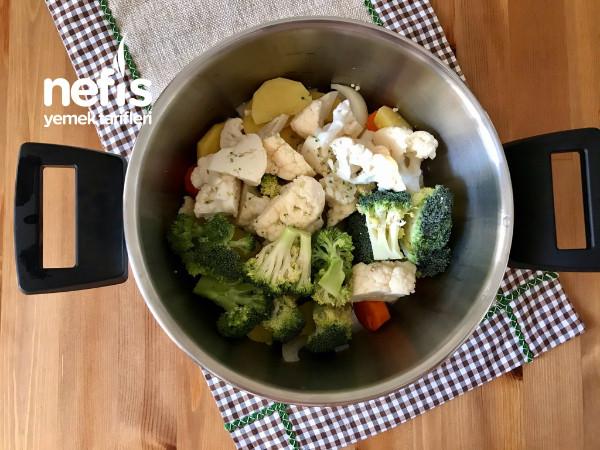 Brokoli Ve Karnabaharlı Sebze Çorbası