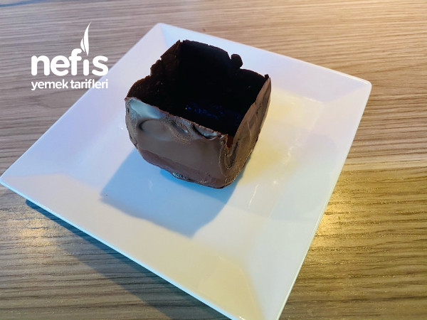 Cikolata Küpünde/kasesinde Nefis Krema Tatlisi