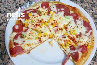 Lavaş Pizza (Pratik Tavada) Tarifi