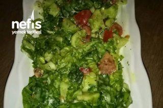 Özel Soslu Yeşil Salata Tarifi
