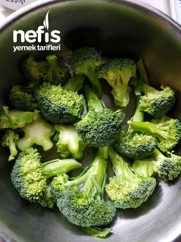 Sarımsak Soslu Brokoli Haşlama