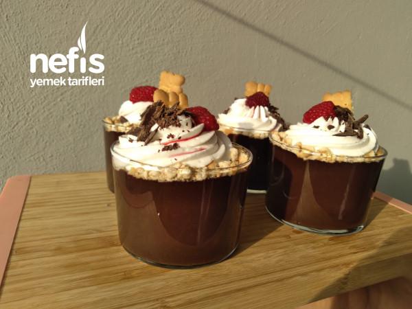 (Videolu) Kıvamı Akışkan Kupta Çikolatalı Pudding