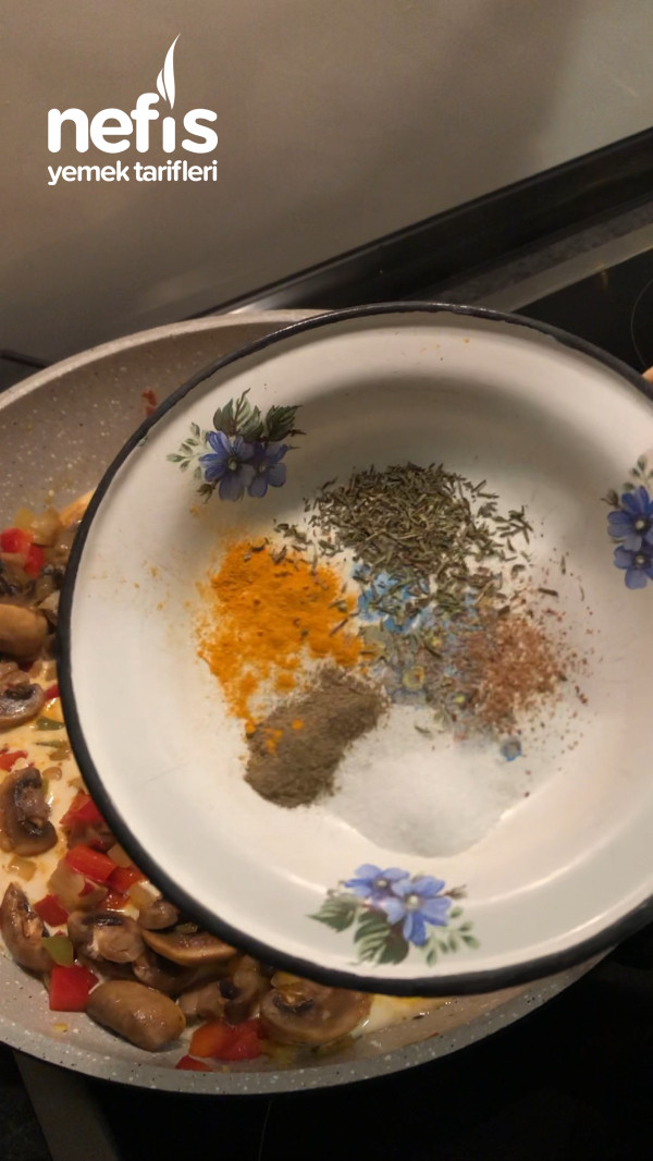 Mantarlı Sebzeli Makarna (Resimli)